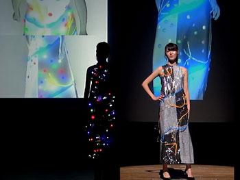 デジタルファッションショーの様子
